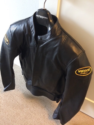 c1eefef9ad8c Vanson Leathers Men's Black Perforated Leather Motorcycle Jacket Size 48