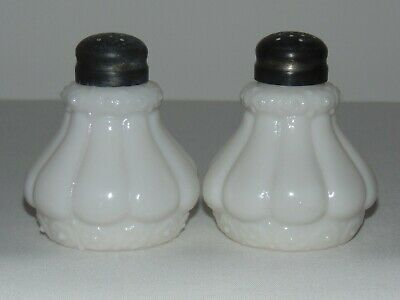 VINTAGE OLD ANTIQUE VICTORIAN EARLY AMERICAN GLASS SALT PEPPER SHAKERS LIDS Eapg