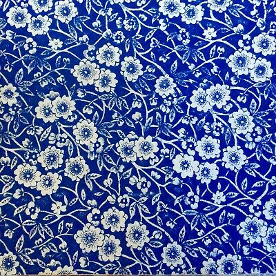 3 Paper Napkins for Decoupage / Parties / Weddings - White and blue flowers