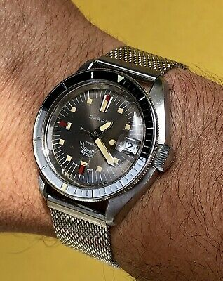 Vintage 70s Squale Darris 30atm-top conditions.s/steel asymmetric case.mesh