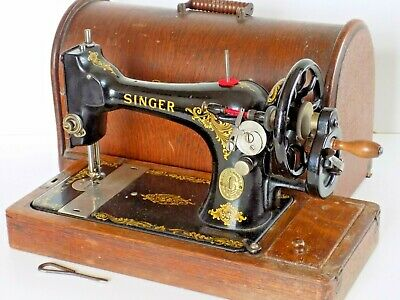 Singer Sewing  Machine 128K Hand Crank Antique Collectable 1920