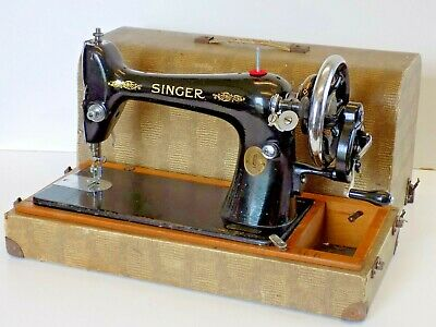 Singer Sewing Machine 66K Hand Crank Antique Collectable 1925