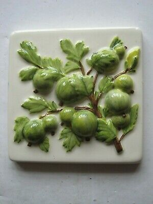 ORIGINAL STYLE 10 cms MOULDED & HAND-PAINTED FRUITS TILE - GOOSEBERRIES