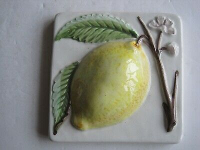 DECOCER 10 cms MOULDED & HAND-PAINTED FRUIT TILE - LEMON