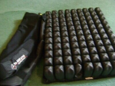 Roho Quadtro Select Wheelchair Seat Cushion 17.5 x 20.25 X 4.25  QS911C Black