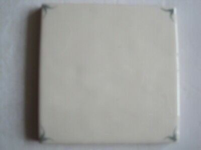VINTAGE MARLBOROUGH 11.5 cms HAND-PAINTED PLAIN DELFT CORNERS TILE - SAGE GREEN