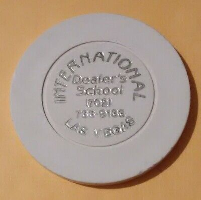 1980s INTERNATIONAL DEALING SCHOOL LAS VEGAS .50 CENT CHIP GREAT FOR COLLECTION!