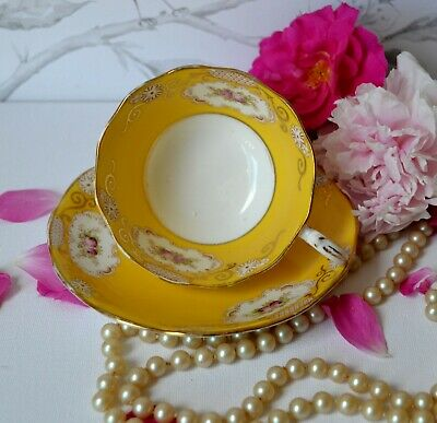 VTG Royal Albert England Tea Cup Saucer Set YELLOW Gold Chintz Flower Medallion