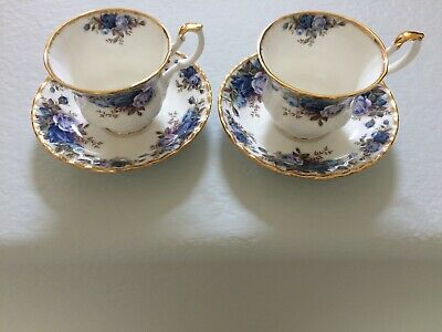 ROYAL ALBERT Moonlight Rose  2 Tea Cups and 2 Saucers. MADE IN ENGLAND 1987