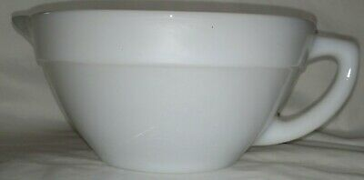 Fire King Oven Ware white milk glass 6 cup mixing batter bowl handle & spout