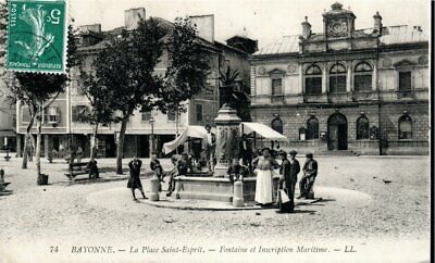 Cpa France (Date Illisible) - Bayonne, La Fontaine Saint Esprit -