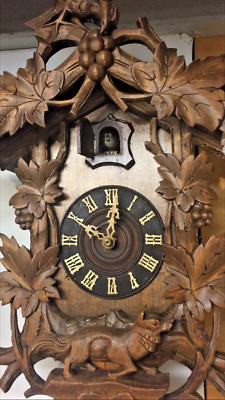 Beautiful Antique Fox and Grape Cuckoo Clock Excellent Condition