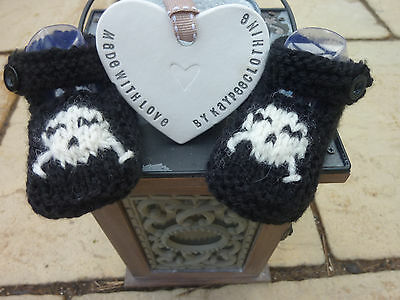 Baby Hand Knitted Black Bootees,shoes Goth ,Emo ,Skull  0/3 ,newborn.Photo shoot