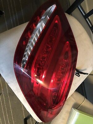 2015 mercedes-benz c300 taillight