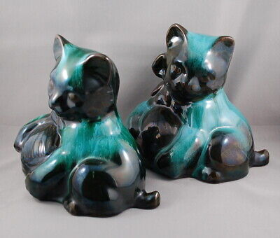 Vintage Blue Mountain Pottery Traditional Deep Green Cat w/ Ball of Yarn Pair