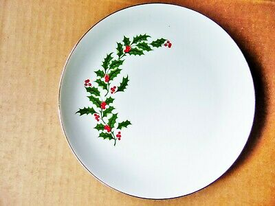 1 pc CHRISTMAS HOLLY BERRIES PORCELAIN FINE CHINA LUNCHEON OR SALAD PLATE JAPAN