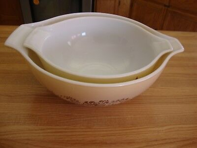 Set Of Two Vintage Pyrex Homestead Cinderella  Beige Brown Mixing Bowl 444 & 443