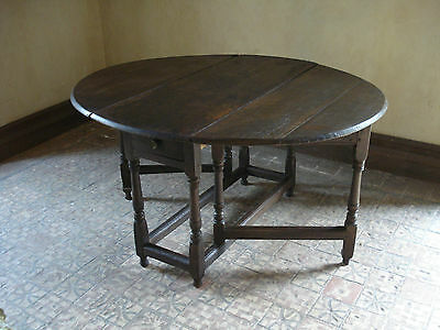 17th OR 18TH CENTURY LARGE OVAL OAK  TABLE