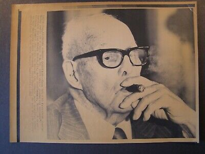 AP Wire Press Photo 1980 AFL CIO President George Meany Pills on a cigar in 1979