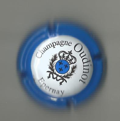 Capsule de champagne Oudinot Epernay France royal blue blue version