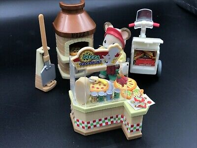 Calico Critters Sylvanian Families Pizza Parlor Delivery Set