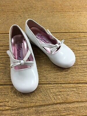 NWT Baby Gap White Dressy Shoes Girls Size 7 8 or 9 Triple Bow Wedding