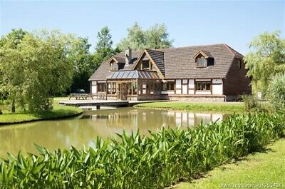 7 Bedroom Lakeside Self Catering Lodge, Rooskey, Roscommon, Prices from €280 pn