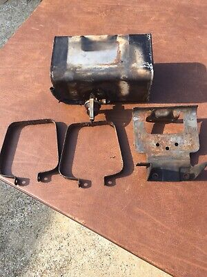 BRIGGS AND STRATTON 5HP Engine Gas Tank & Carburetor Air Cleaner