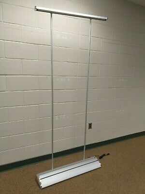 Motorized Scrolling Electric Banner Stand with Case *NEW*