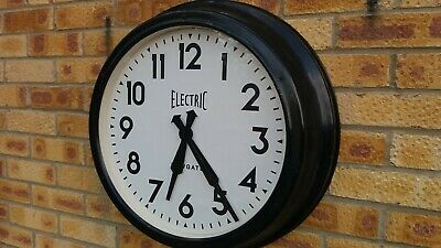 Very Large Metal Cased Old Style Wall Clock,With Reliable Quartz Modern Movement