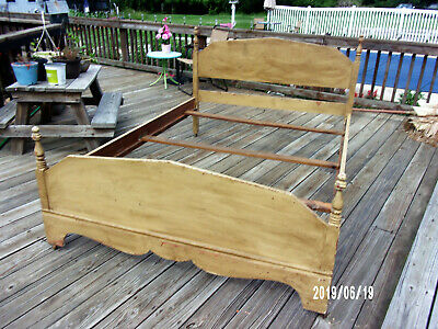 AAFA Primitive Antique Low Boy Full Size Bed - Old ButterCream Paint on Maple