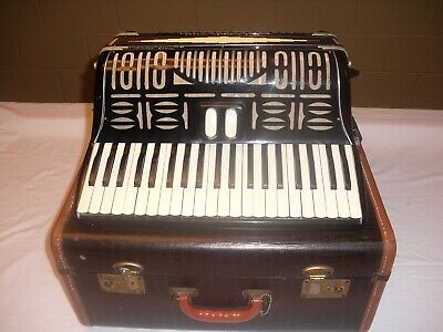 Italo-American Chicago Tina Model Accordion  41 Keys 120 Bass - Good Player!!