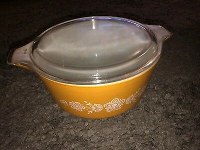 Vintage PYREX Casserole Bowl 475-B  BUTTERFLY CINDERELLA Gold 2.5 Qt. With Lid