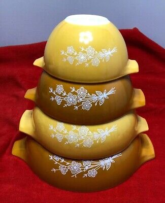 4pc Vintage Pyrex Butterfly Gold Nesting Cinderella Mixing Bowls 441-444 Set
