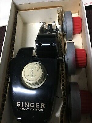 Singer Sewing Machine Automatic Zigzagger Vintage Sewing