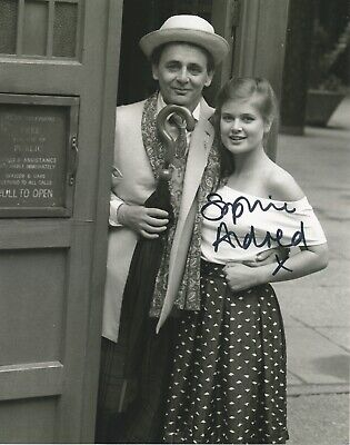 Sophie Aldred from Doctor Who with Tardis hand signed photo with UACC COA
