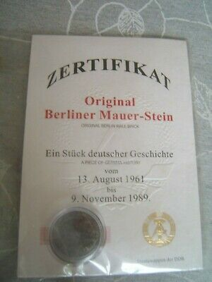 Zertifikat REAL PIECE OF THE BERLIN WALL carded postcard