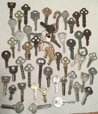 Vintage 50 Keys Lot Yale Eagle Excelsior Slaymaker Milwaukee Reece Hurd Ideal