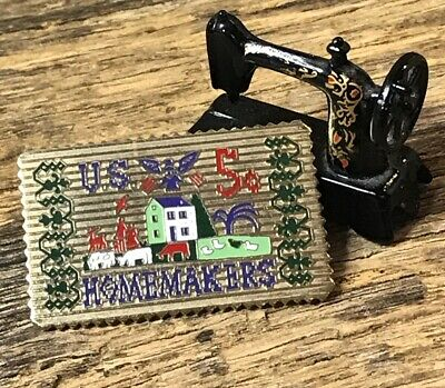 Miniature Dollhouse Sewing Machine & Homemakers Pin