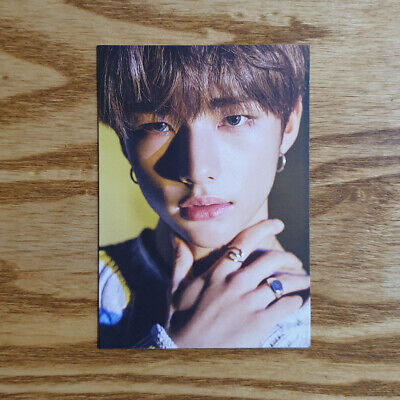Hyunjin Official Pre Order Photocard Stray Kids Clé 2 : Yellow Wood Limited ver