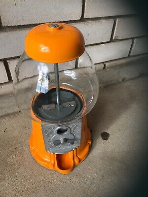 gumball machine In Good Condition, Very Rare Yellow Color  , Pickup Kingswood
