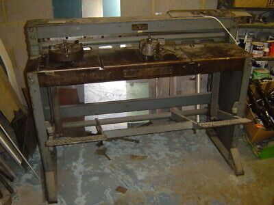 """EDWARDS  FOOT TREADLE GUILLOTINE  48""""  x  16 SWG"""