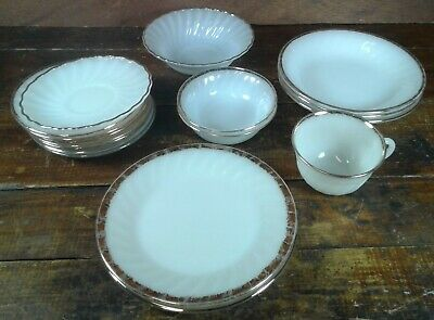 Lot of 17 Pieces Anchor Hocking Fire King Ivory Milk Glass Anniversary Gold
