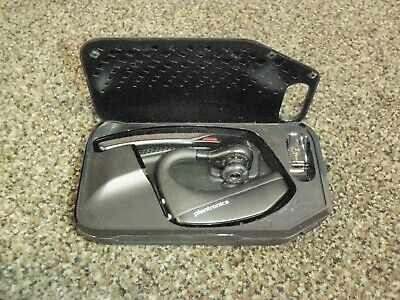Plantronics Voyager 5200 Bluetooth Headset w/ AB E7 Charging Case