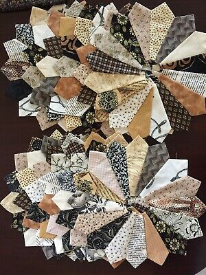 12 Dresden Plate Quilt Blocks In Neutral Colors