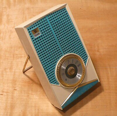 Westinghouse H657P5 transistor radio. Plays well!