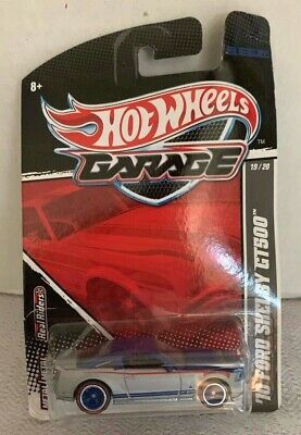 Hot Wheels Garage - (2010) '10 Ford Mustang Shelby Gt-500 - (Real Riders)