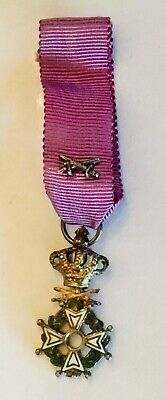 Antique Vintage military Belgian medaillon medal medaille purple ribbon