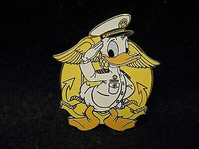 Disney Auctions LE500     Donald Duck - United States Navy Pin