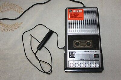 Vintage GE General Electric 3-5105C Cassette Tape Player Recorder with MIc.